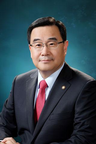 portrait of Kim