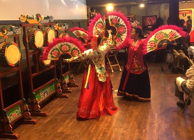 photo of dancers dancing