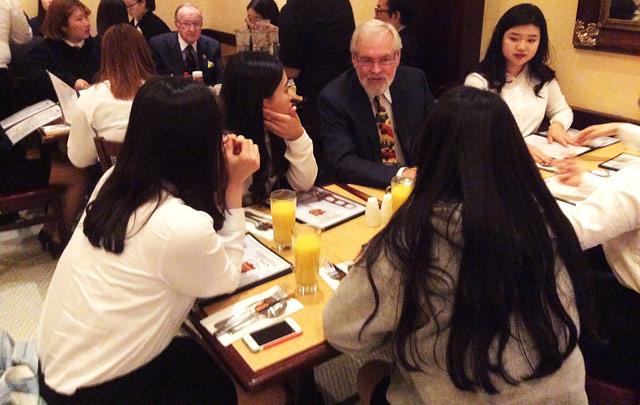 1-3. Bill McIver Talks with Students_opt