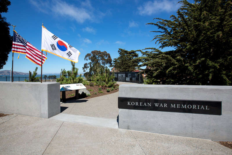photo of memorial entrance US and Korean flags